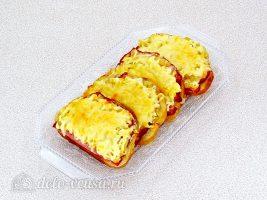 Горячие бутерброды с ананасом готовы