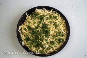 Гратен из картофеля: Посыпаем сыром и зеленью