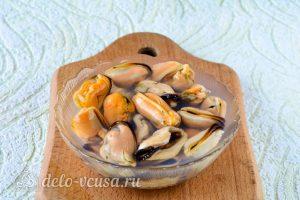 Мидии в томатном соусе: Залить мидии кипятком
