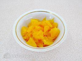 Салат с курицей и апельсином: Подготовить апельсин