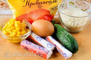 Крабовый салат с рисом, яйцом и огурцом: Ингредиенты