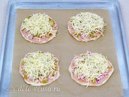 Мини-пицца в духовке: Посыпать сыром