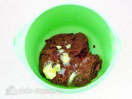 Шоколадно-молочный мусс: Добавить масло