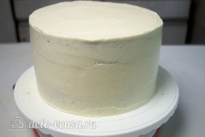 Торт с чизкейком внутри: Выровняйте кремом