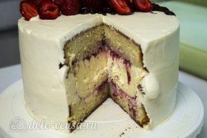 Торт с чизкейком внутри готов