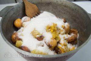 Абрикосовое варенье с апельсином: Соединить все ингредиенты в кастрюле