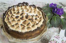 Пирог с абрикосами и безе