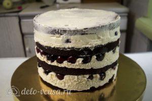 Шоколадный торт с вишней: Достать торт и освободить от кольца