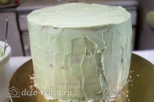 Шоколадный торт с вишней: Выровнять торт зеленым кремом