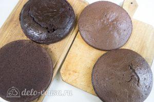 Шоколадный торт с вишней: Остудить коржи