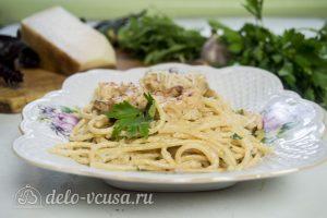 Спагетти с креветками в сливочном соусе готовы