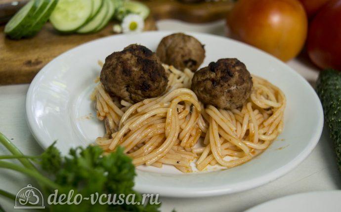 Спагетти с фрикадельками в соусе