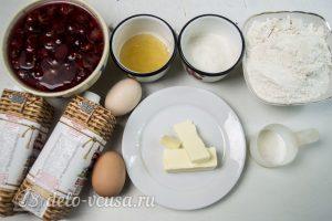 Торт Медовые соты с вишней: Ингредиенты