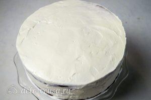 Торт Медовые соты с вишней: Убрать торт на пропитку в холодильник