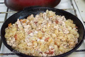 Макароны с курицей и сырным соусом: Проверьте готовность макарон
