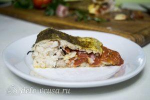 Рыба, запеченная с помидорами и розмарином, готова