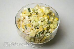 Салат с креветками Морячка готов
