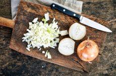 как нарезать лук мелко