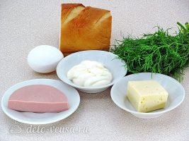 Горячие бутерброды с колбасой и яйцом: Ингредиенты