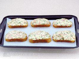 Горячие бутерброды с колбасой и яйцом: Выпекать в духовке