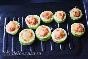 Фаршированные кабачки с помидорами и сыром: Запекайте в духовке