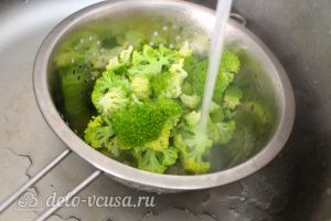Киш с курицей и брокколи: Промыть капусту