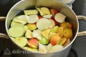 Компот из яблок на зиму: Добавьте яблоки