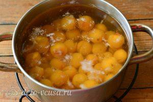 Компот из желтой алычи на зиму: Варить 5 минут