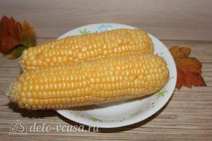 Запеченная кукуруза в фольге: Очистить кукурузу