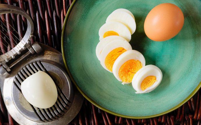 как пользоваться яйцерезкой