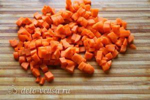 Булгур с овощами: Нарезать морковь