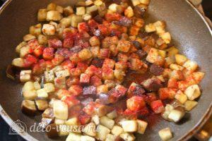 Булгур с овощами: Добавить соль и специи