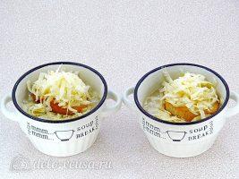 Классический французский луковый суп: Посыпать сыром