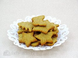 Имбирное печенье с глазурью: Снять печенье с противня