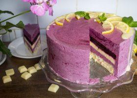 Ягодный муссовый торт