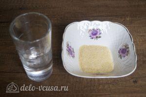 Ягодный муссовый торт: Замочить желатин