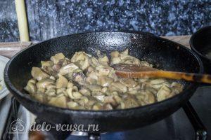 Киш с грибами и луком пореем: фото к шагу 7.