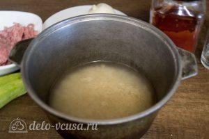 Рис с кабачками и фаршем: Отварить рис