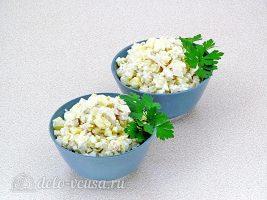 Салат Дамский каприз с ананасом и курицей готов