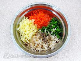 Салат из топинамбура с морковью и яблоком: Соединить ингредиенты