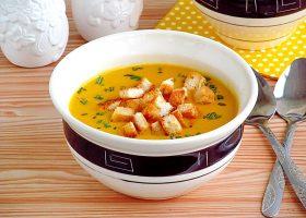Тыквенный суп-пюре с плавленным сыром и сухариками
