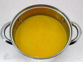 Тыквенный суп-пюре с плавленным сыром и сухариками: Растворить сыр в супе