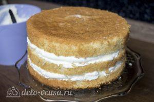 Белый шоколадно-кокосовый торт: Собрать все коржи в торт