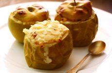 Запеченные яблоки с творогом в духовке