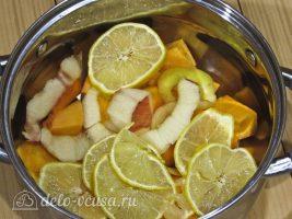Цукаты из тыквы: Перекладываем продукты в кастрюлю