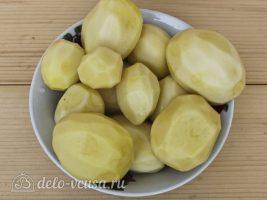 Картофель по-деревенски в мультиварке: Почистить картофель