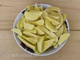 Картофель по-деревенски в мультиварке: Нарезать картофель