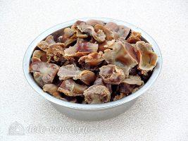 Тушеные куриные желудки со стручковой фасолью: фото к шагу 3