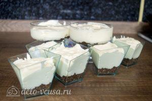 Мини-чизкейки без выпечки: Выложить сырный слой