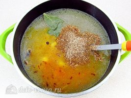 Ячменный суп со свиными ребрышками: Добавить все ингредиенты в суп